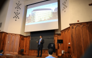 Jeffrey Brock speaks to incoming Yale students